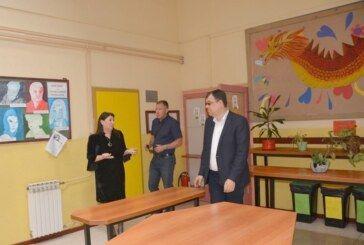 U tijeku je energetska obnova škole u Bereku – Župan Damir Bajs obišao radove