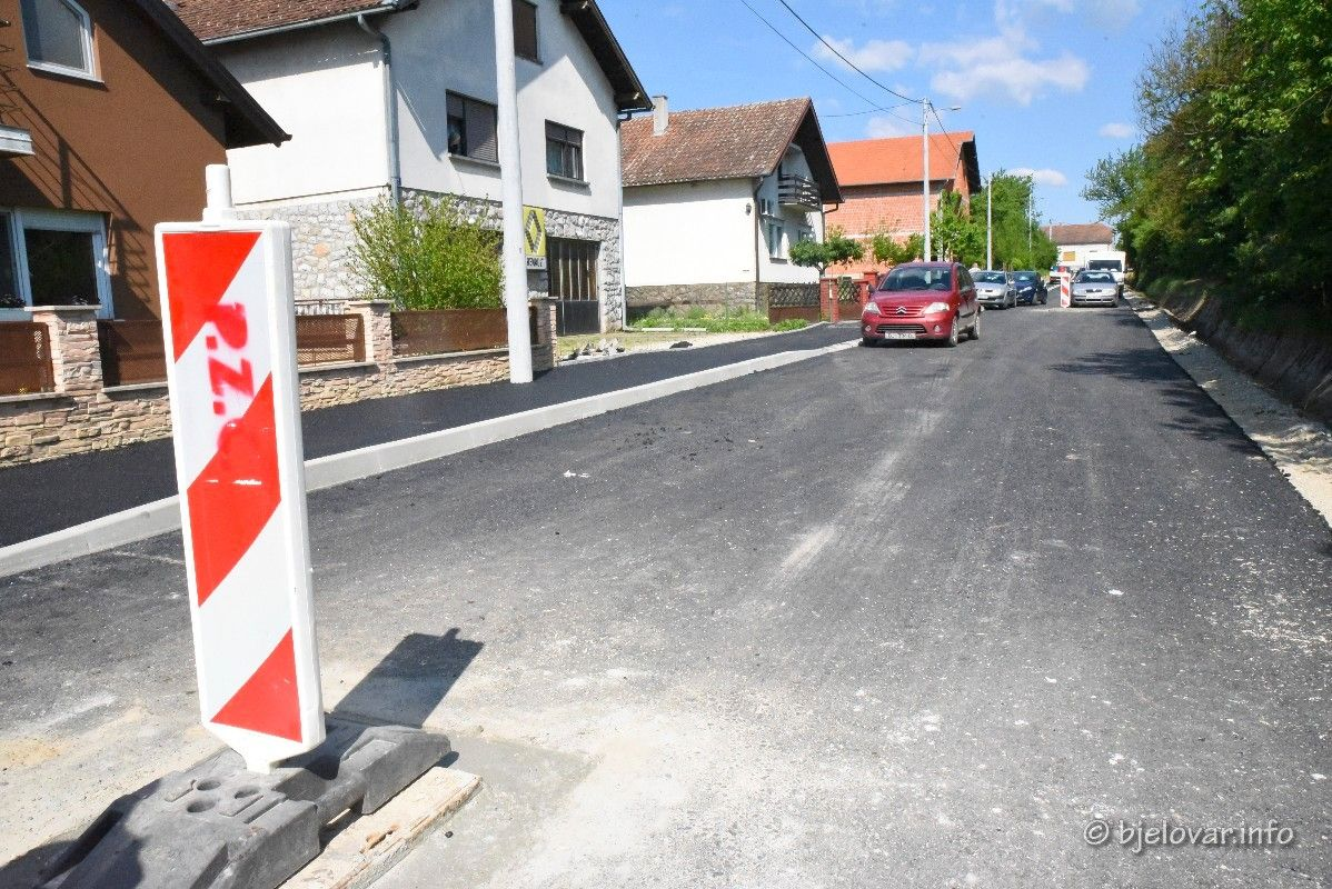 FOTO Pri kraju je izgradnja pješačke staze i asfaltiranje Livadske ulice  - Idući tjedan počinju radovi u Savskoj ulici