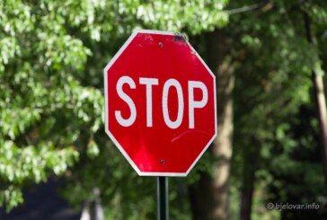 POLICIJA: Većinu prometnih nesreća prouzročili su MLADI VOZAČI do 24 godine starosti
