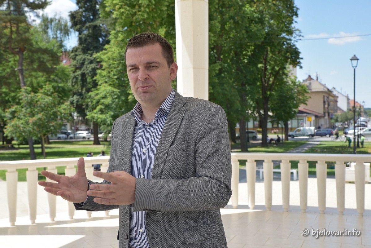 Hrebak o SDP-ovoj agoniji: Napad SDP-a je čisti atak jer pokazujemo rezultate - Gospodin Ostojić o politici pojma nema