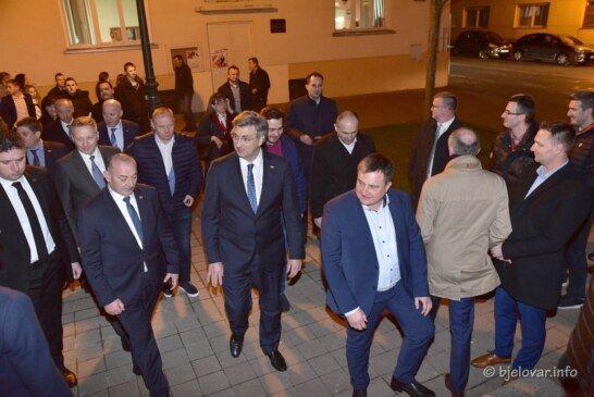 HDZ: Bernardić je iznio potpune laži o Vladinim mjerama za pomoć gospodarstvu