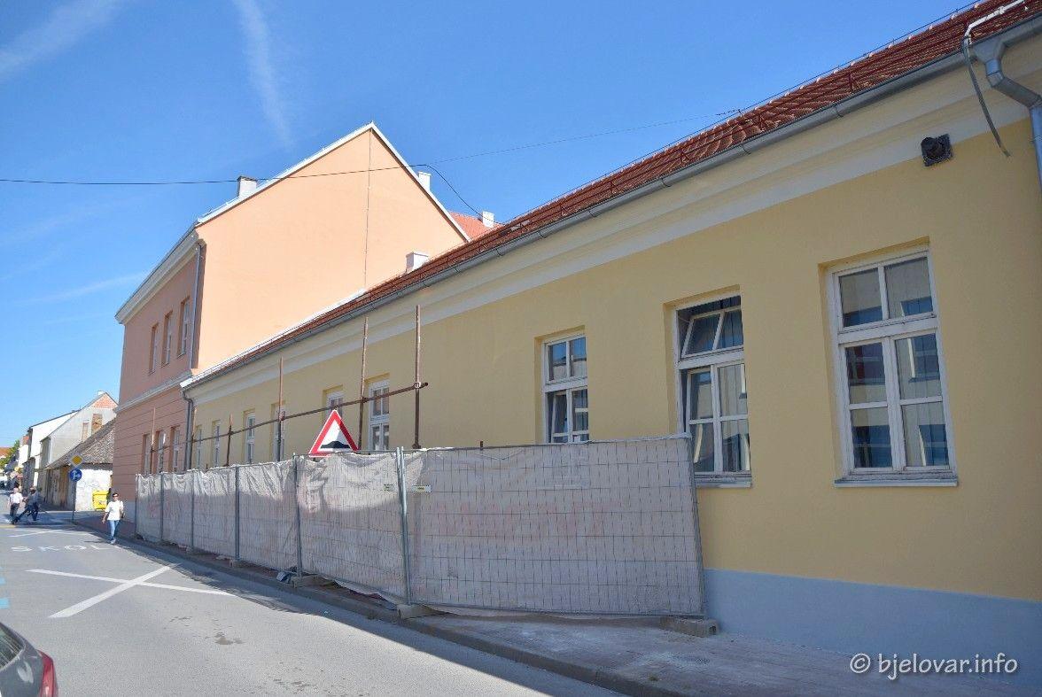 Grad obnovio sportsku dvoranu u Mažuranićevoj ulici - Bude li je koristila i II. OŠ?