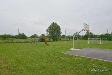 Grad Bjelovar nastavlja obnavljati dječja igrališta – Obnovljeno igralište u naselju Jošine