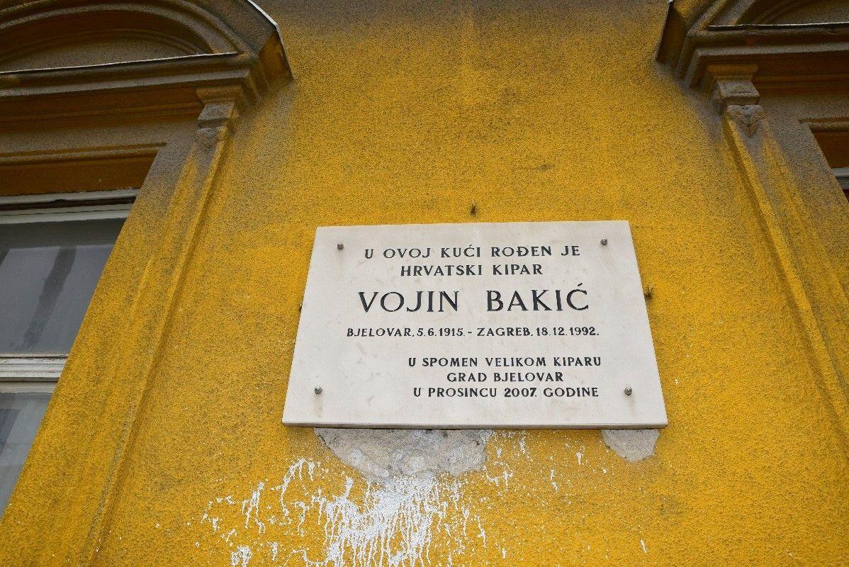 U Bjelovaru otkrivena spomen ploča braći Bakić – Ubijeni su samo ...