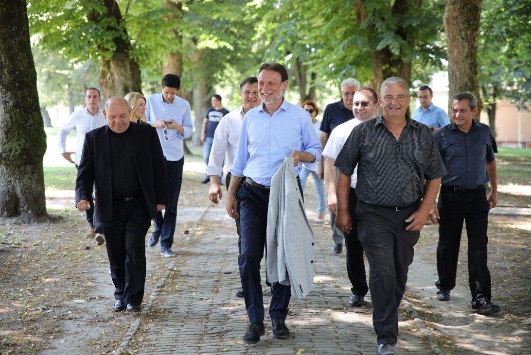 GORDAN JANDROKOVIĆ BIRAČIMA: HDZ jedini ima program i ljude koji Hrvatskoj mogu garantirati sigurnost i stabilnost!