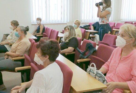 """Župan Bajs uručio uvjerenja polaznicama edukacije za POMOĆNE KUHARICE u sklopu projekta """"Za žene BBŽ"""""""