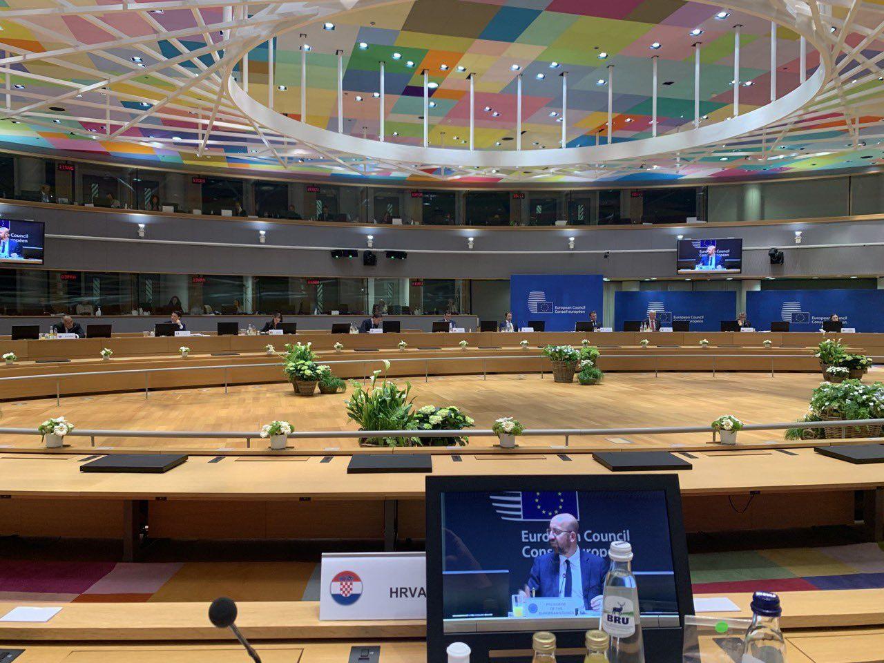 Premijer Andrej Plenković u 5:30: Završio sastanak, usvojili smo budžet, Hrvatskoj donosimo 22 milijarde €