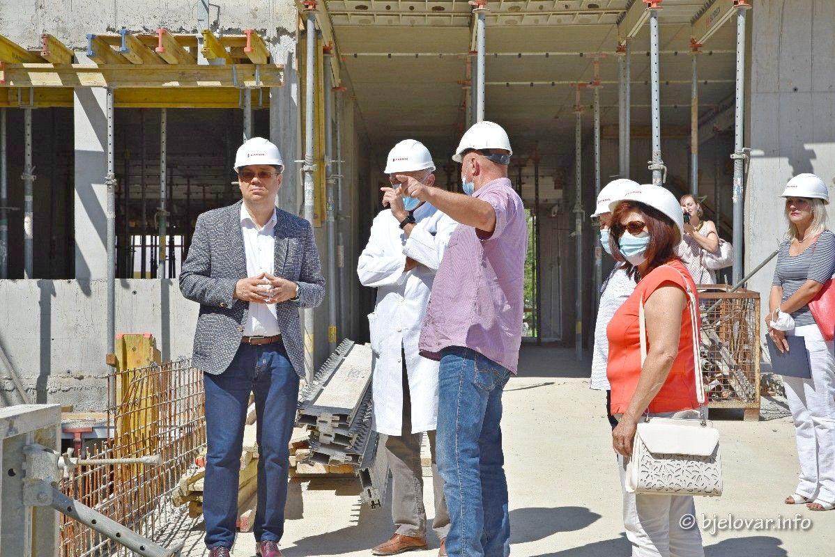 ( FOTO) Radovi idu prema planu – Svakim smo danom sve bliži dovršetku izgradnje NOVE BJELOVARSKE BOLNICE