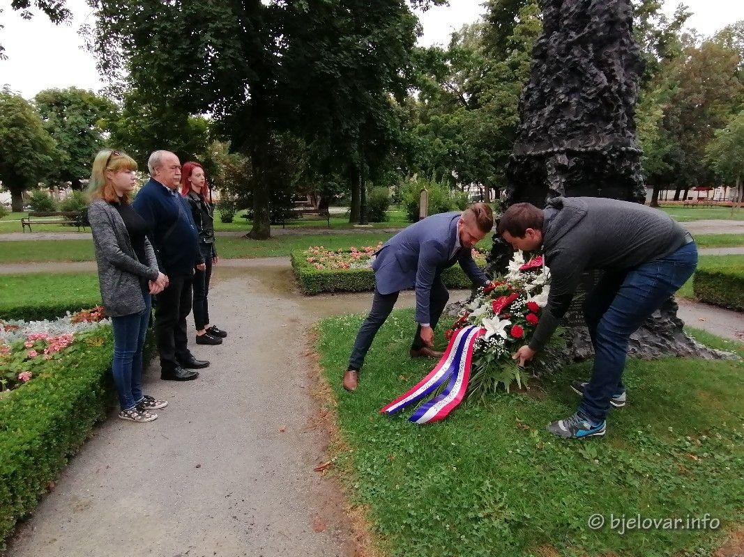 Dan pobjede i domovinske zahvalnosti i Dan hrvatskih branitelja - SDP BBŽ odao počast poginulim hrvatskim braniteljima