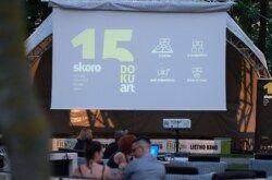 Skoro 15. DOKUart u dvorištu bjelovarskih stambenih zgrada – Projekcija počinje sutra u 21 sat