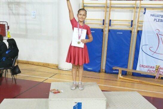Plesni klub H-8 nastavlja s odličnim rezultatima – RAMONA PEČAR PONOVNO DRŽAVNA PRVAKINJA