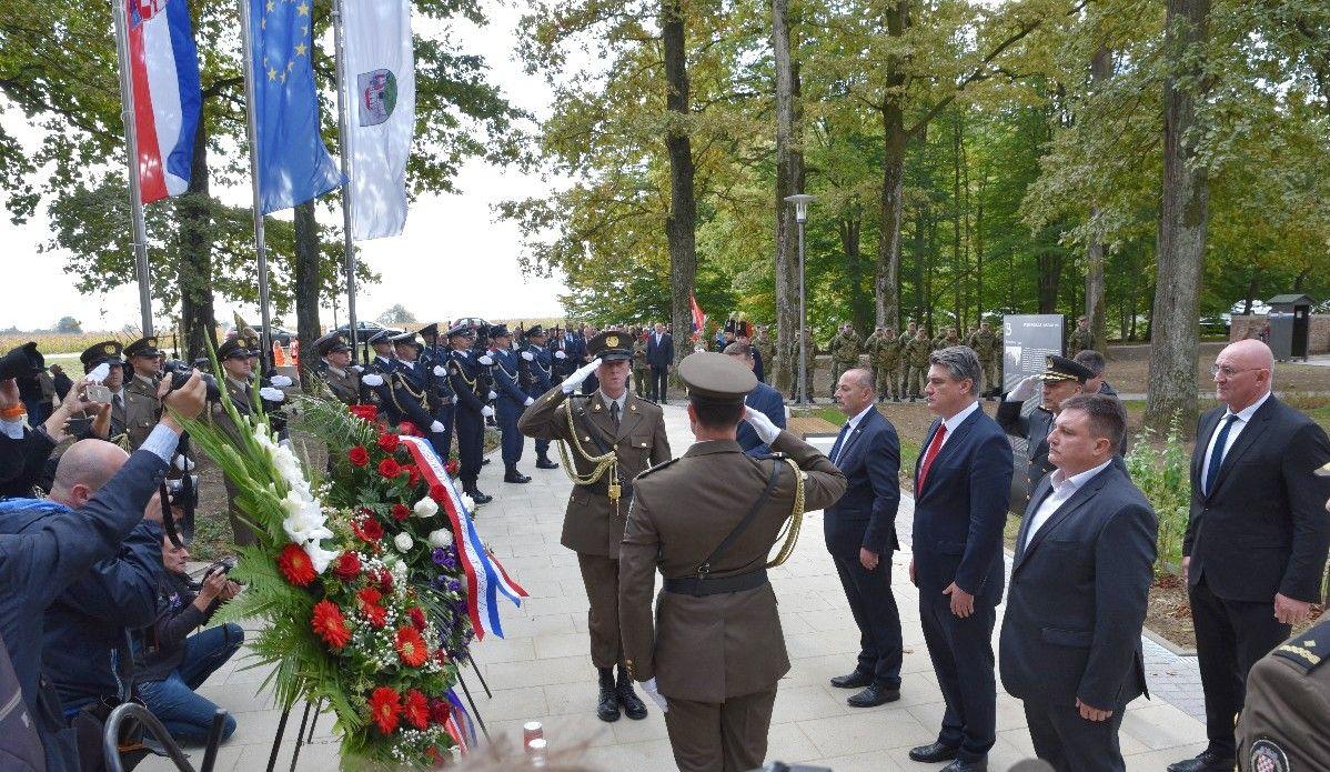 (FOTO) Obilježen Dan Grada Bjelovara i Dan bjelovarskih branitelja - Predsjednik Zoran Milanović sudjelovao na svečanoj sjednici