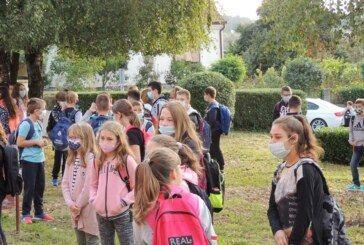 Počela nezapamćena školska godina – Župan Bajs posjetio čazmanske osnovnoškolce – bjelovar.info