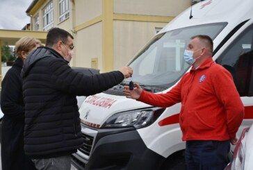 Dva nova sanitetska vozila za Dom zdravlja BBŽ  – Župan Damir Bajs uručio ključeve
