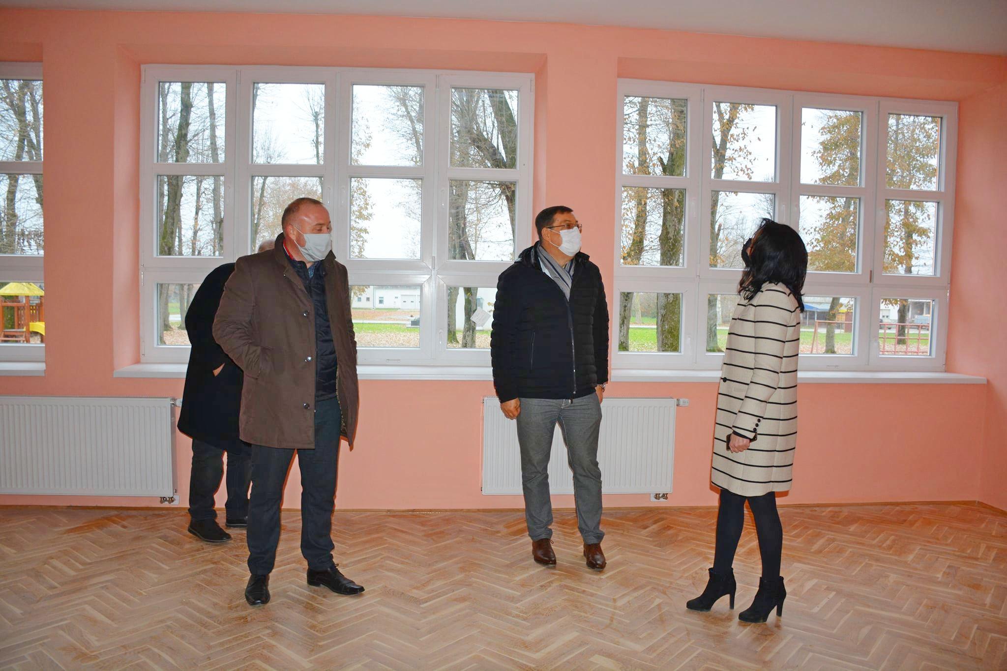 Pri kraju je obnova Područne škole Ivanovo Selo - Župan Bajs obišao završne radove