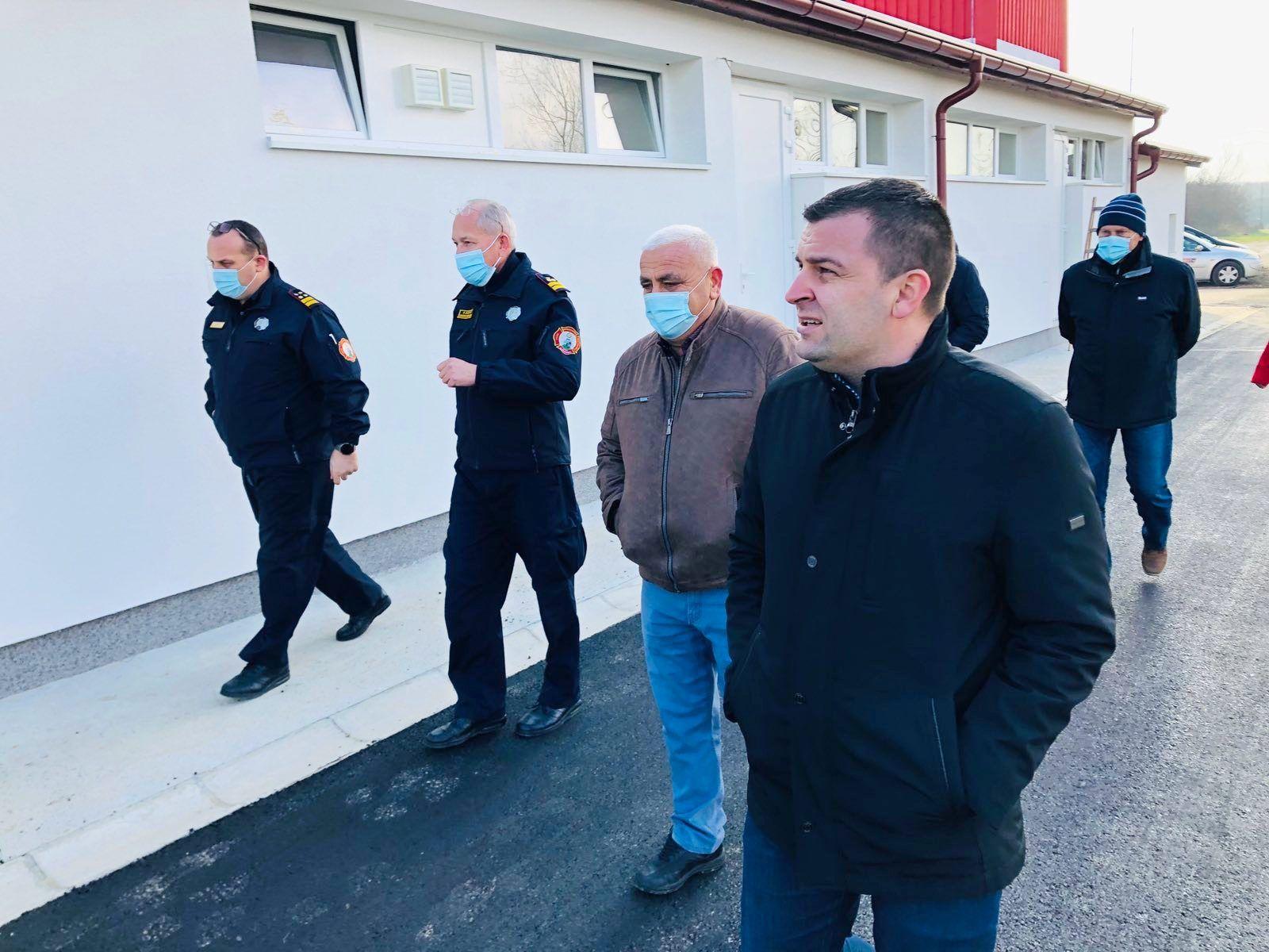 U tijeku je energetska obnova zgrade Vatrogasne zajednice Grada Bjelovara - Gradonačelnik obišao radove