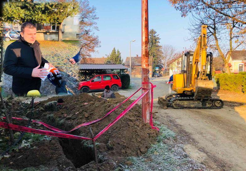 Počela dugoočekivana obnova Naselja Petra Krešimira IV. u Bjelovaru - Gradonačelnik obišao radove