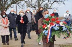 Komletinci: Počast stradalim braniteljima odalo je izaslanstvo Bjelovarsko-bilogorske županije i Grada Bjelovara