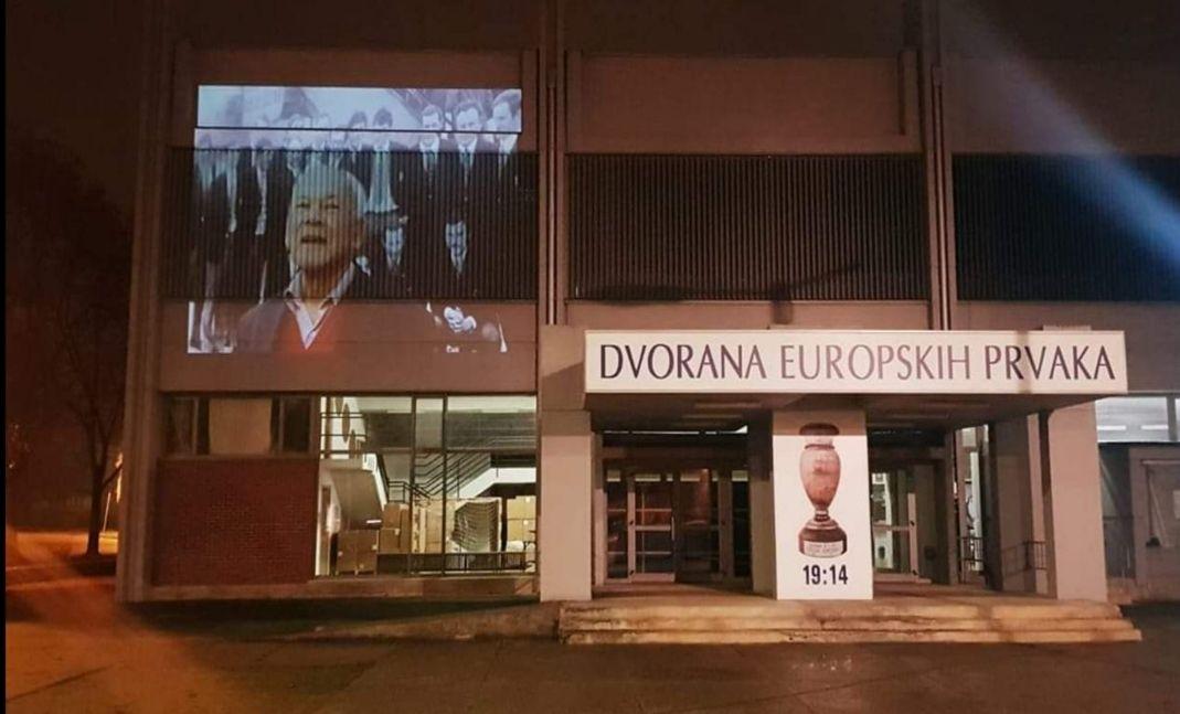 (FOTO) Napustio nas je jedan od najvećih rukometnih legendi ŽELJKO SELEŠ - Na Dvorani europskih prvaka prikazana video projekcija