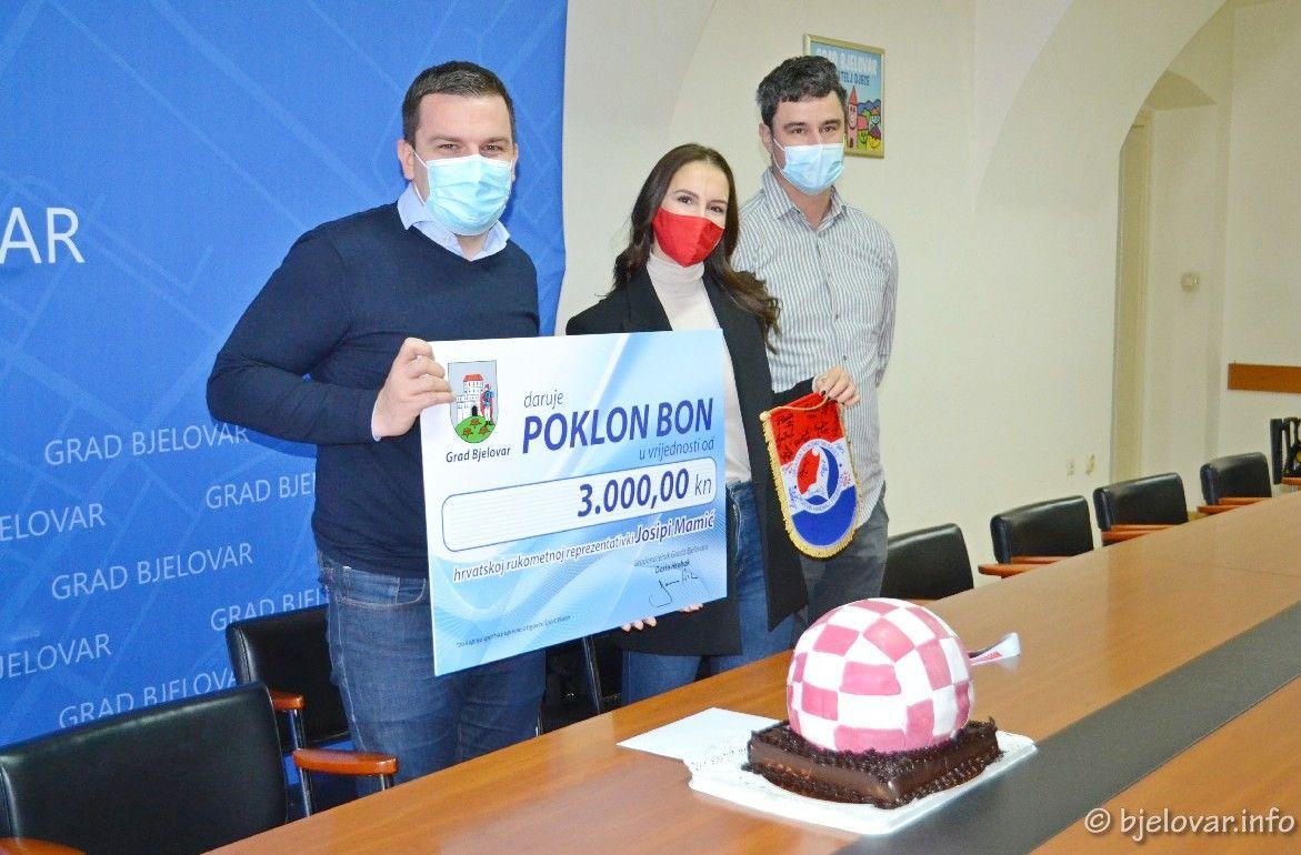 (FOTO) Svečani doček za brončanu rukometašicu Josipu Mamić u Gradu Bjelovaru