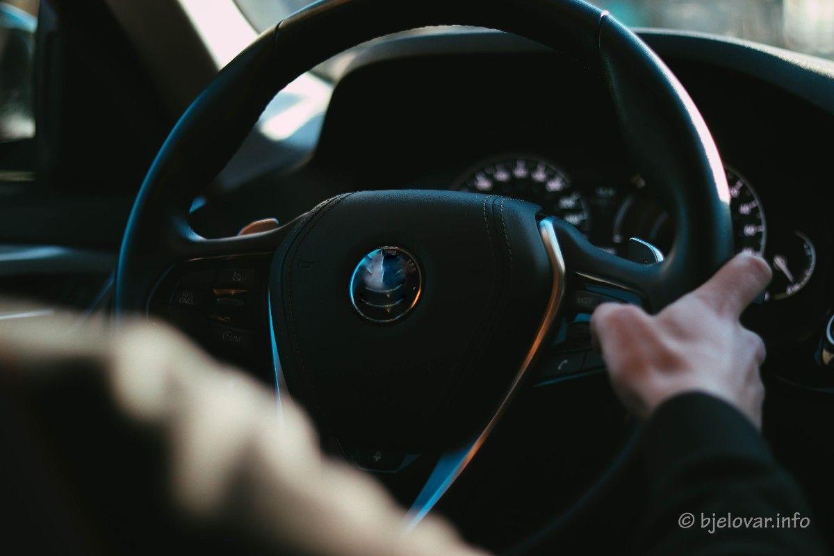 Policija utvrdila počinitelje neprimjerene vožnje po centru Bjelovara