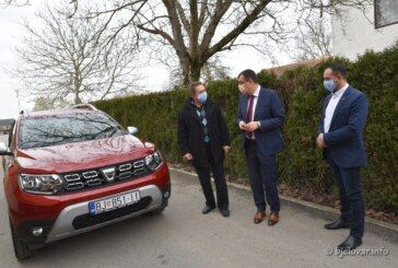 (FOTO) Za kvalitetniji život starijih osoba: Uručena dva nova vozila u sklopu projekta Pletenica života – faza II