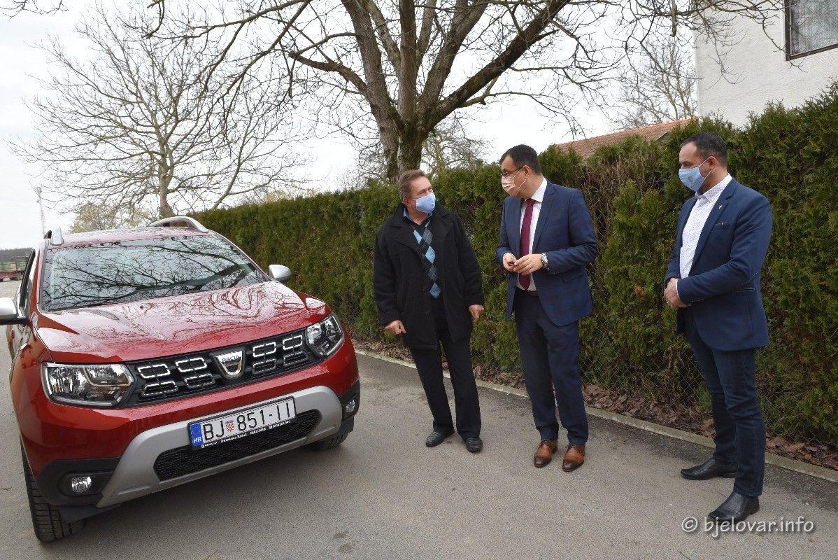 (FOTO) Za kvalitetniji život starijih osoba: Uručena dva nova vozila u sklopu projekta Pletenica života - faza II