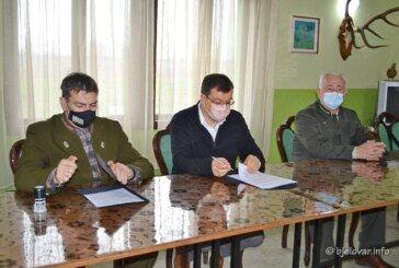 ŽUPANIJA Unapređenje lovstva – Potpisani ugovori s predstavnicima lovačkih saveza i udruga