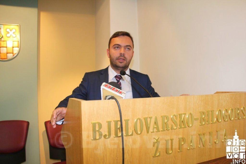 NASTAVLJA SE DOPISIVANJE - HDZ BBŽ: Raduje nas da je župan javno objavio da mediji mogu kritizirati njegov rad