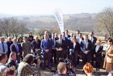 (FOTO) Predsjednik Domovinskog pokreta Miroslav Škoro predstavio kandidate za županicu i bjelovarskog gradonačelnika