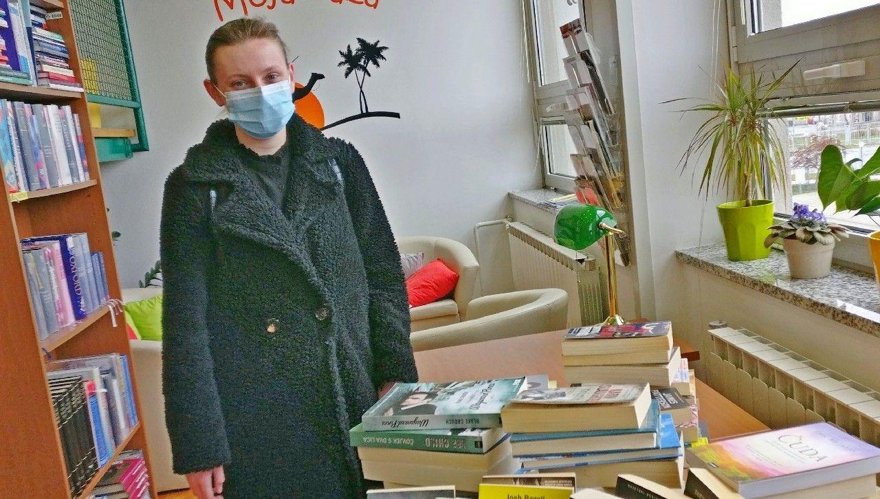 Školska knjižnica bogatija za veliki broj knjiga koje je poklonila bivša učenica Kata Magdić