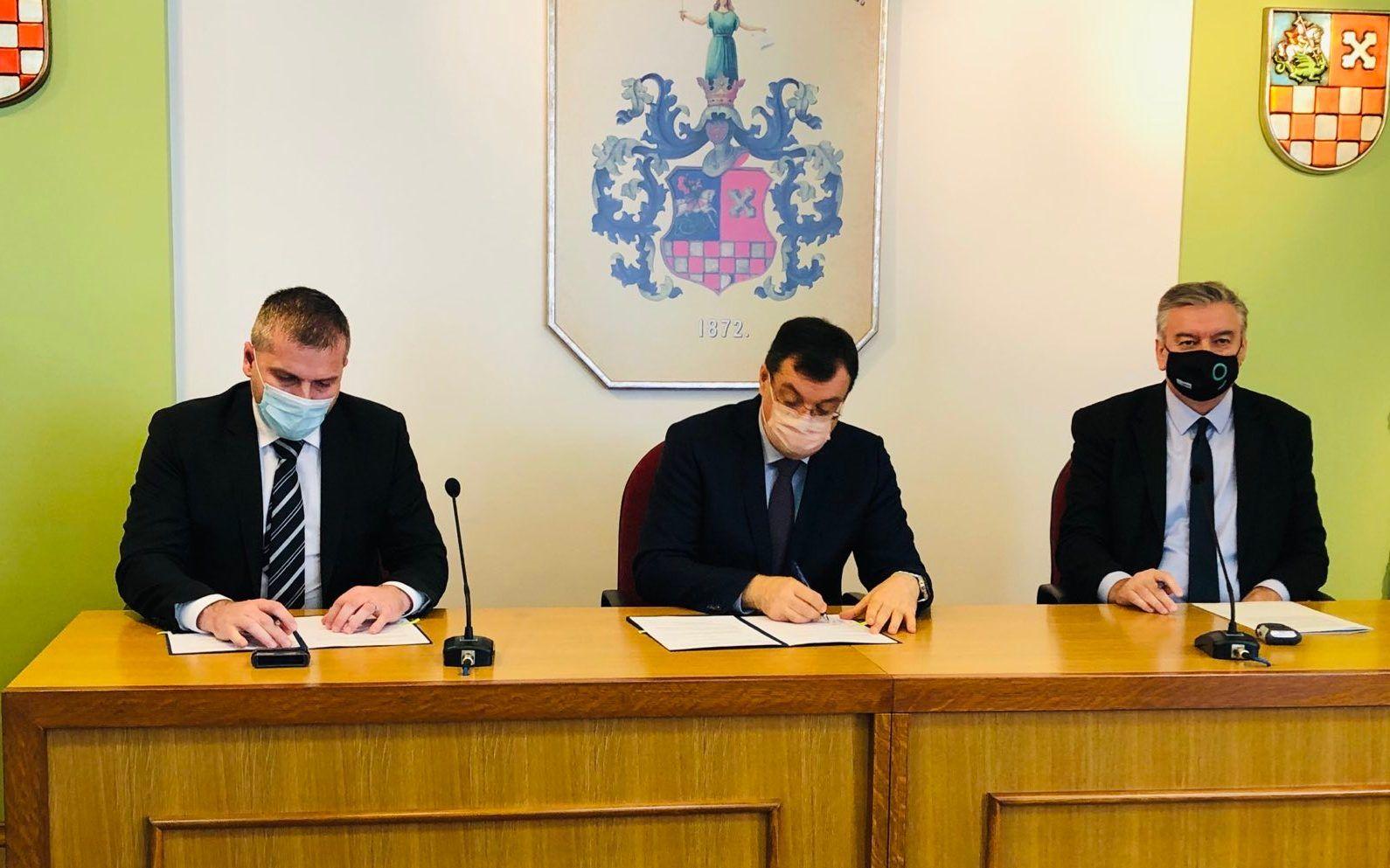 SVE NA VRIJEME - U Županiji potpisani ugovori za beskamatno kreditiranje proljetne sjetve našim poljoprivrednicima