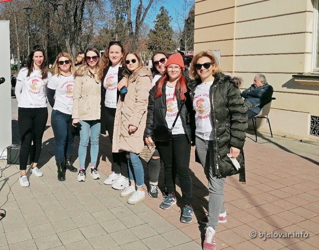 Promocija Udruge Sparte: Bjelovarske lađarice družile se s Bjelovarčanima