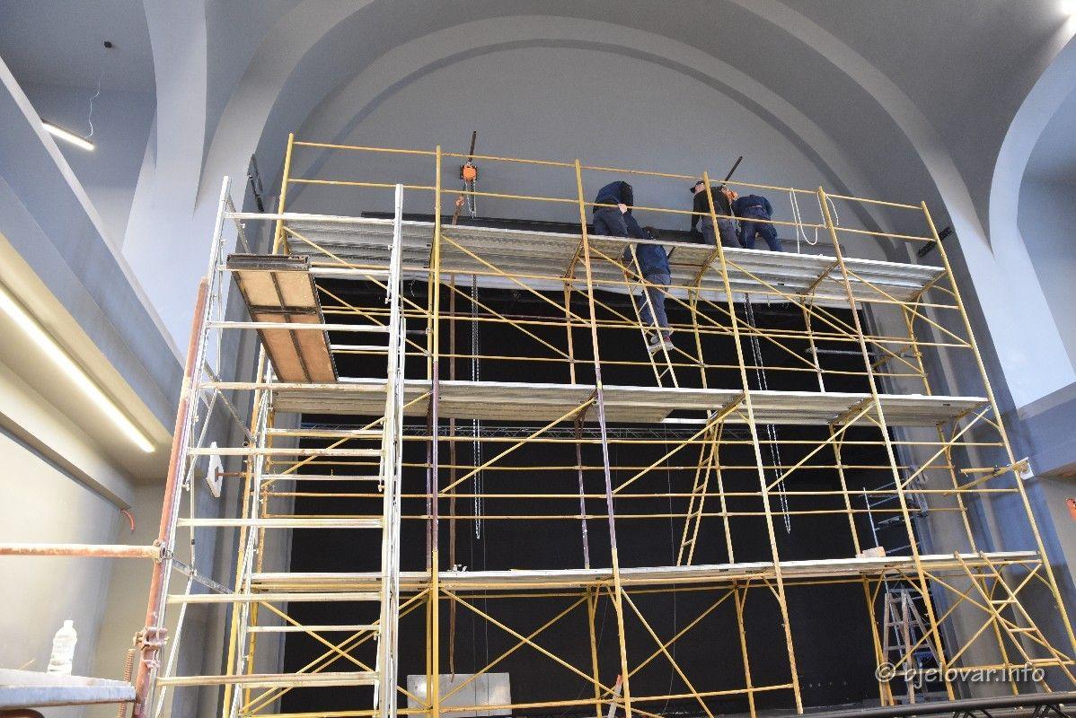 (FOTO) Završena obnova vanjskog dijela bjelovarskog Doma kulture, nastavljaju se radovi na unutarnjem uređenju