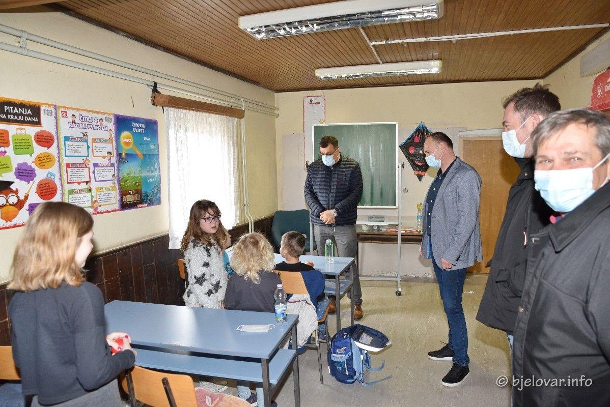 ŽUPANIJA - Radi se punom parom na obnovi škola - Kreće obnova i Područne škole Dautan