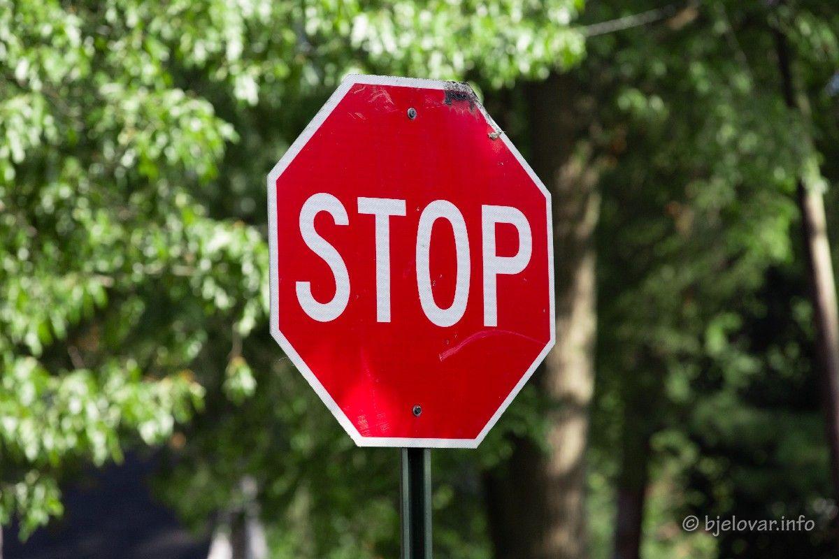 Policija najavljuje AKCIJU na prekršaje 'Oduzimanja prednosti prolaska' i 'Ne postupanje vozača po znaku STOP'