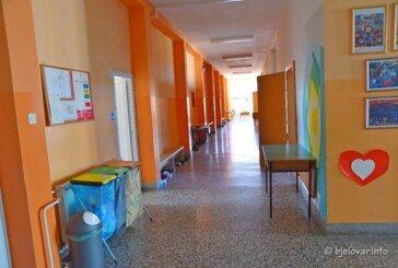 Objavljeni podaci o broju zaraženih učenika koronavirusom – Razmatra se o produljenju školskih praznika