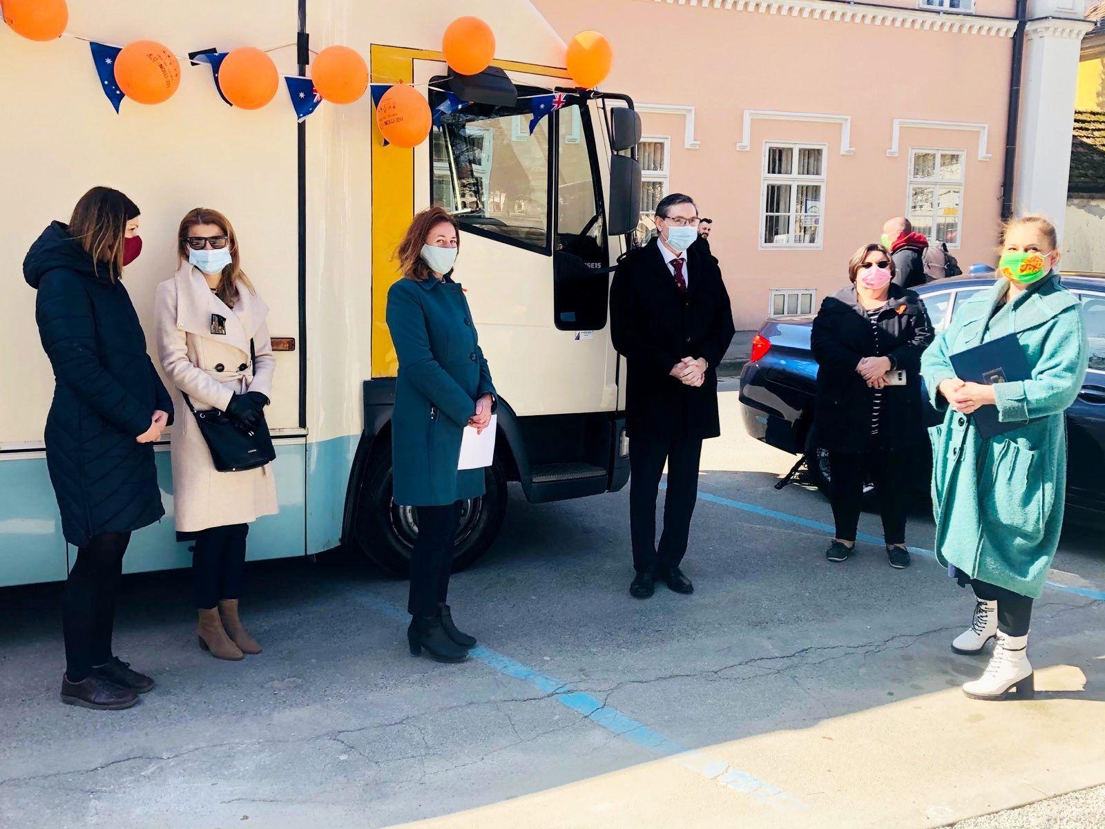 Veleposlanstvo Australije uručilo vrijednu donaciju bjelovarskoj knjižnici
