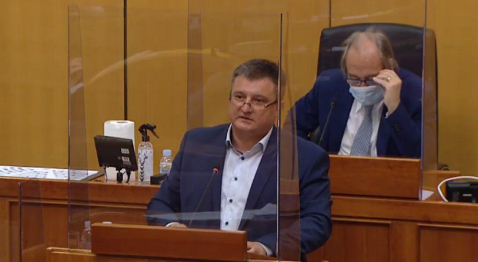 Totgergeli odgovorio: HDZ je za bolnicu, ali ne novcem koji će vraćati jedino građani županije