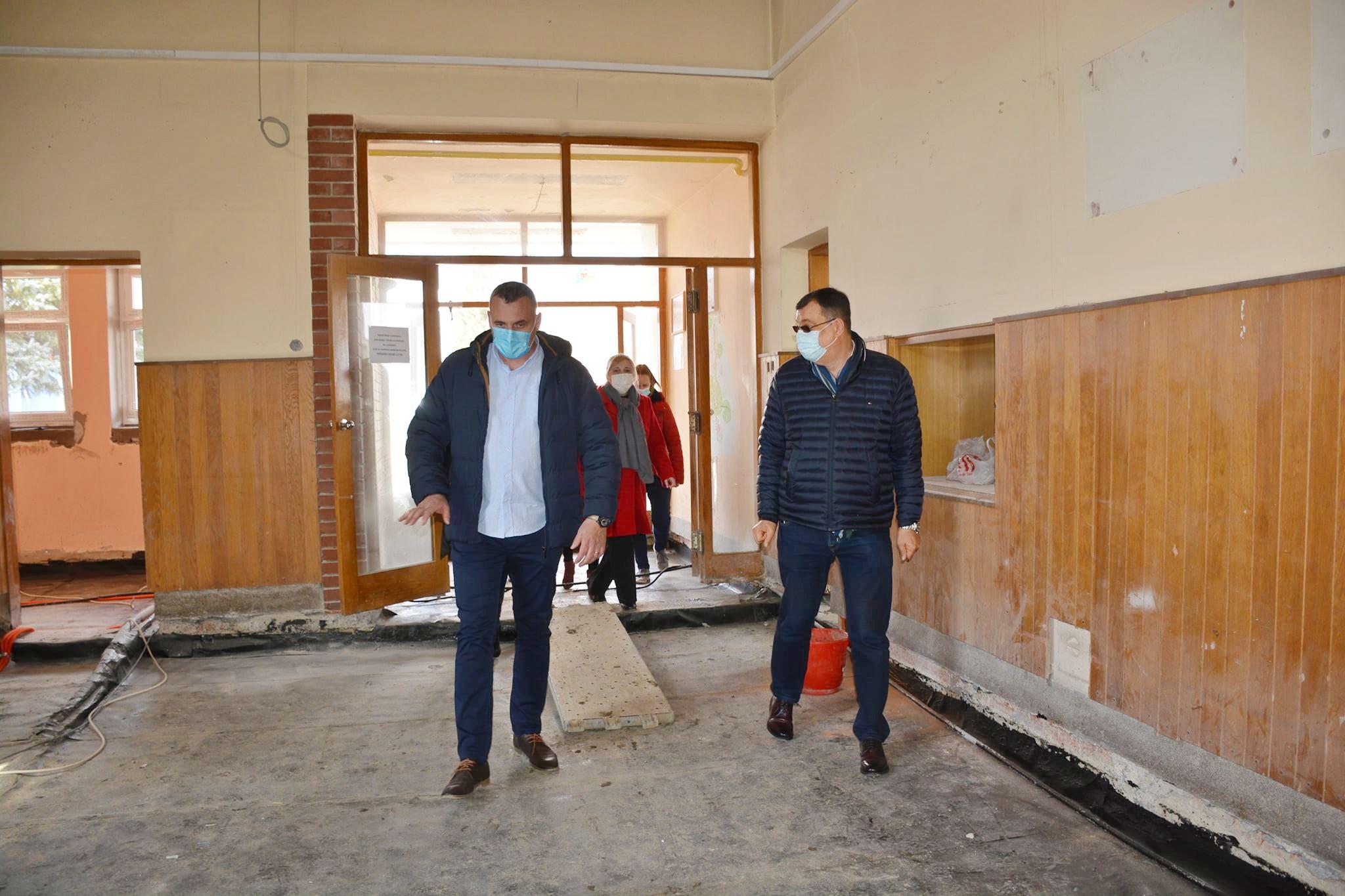 Radovi u punom jeku na školi u Velikim zdencima, župan Bajs odobrio dodatna sredstva za radove