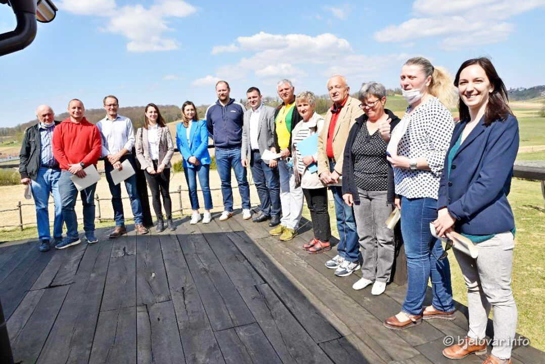 (FOTO) Dodijeljene potpore turističkim destinacijama - Bilogorski turizam nudi sve blagodati ruralnog turizma