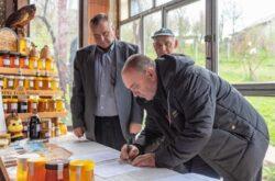 Grad Čazma - 40.000 kuna pomoći čazmanskim pčelarima