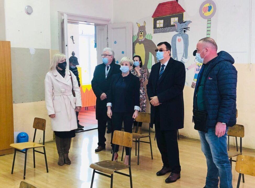 Kreće obnova Područne škole Šandrovac, potpisan ugovor s izvođačem radova