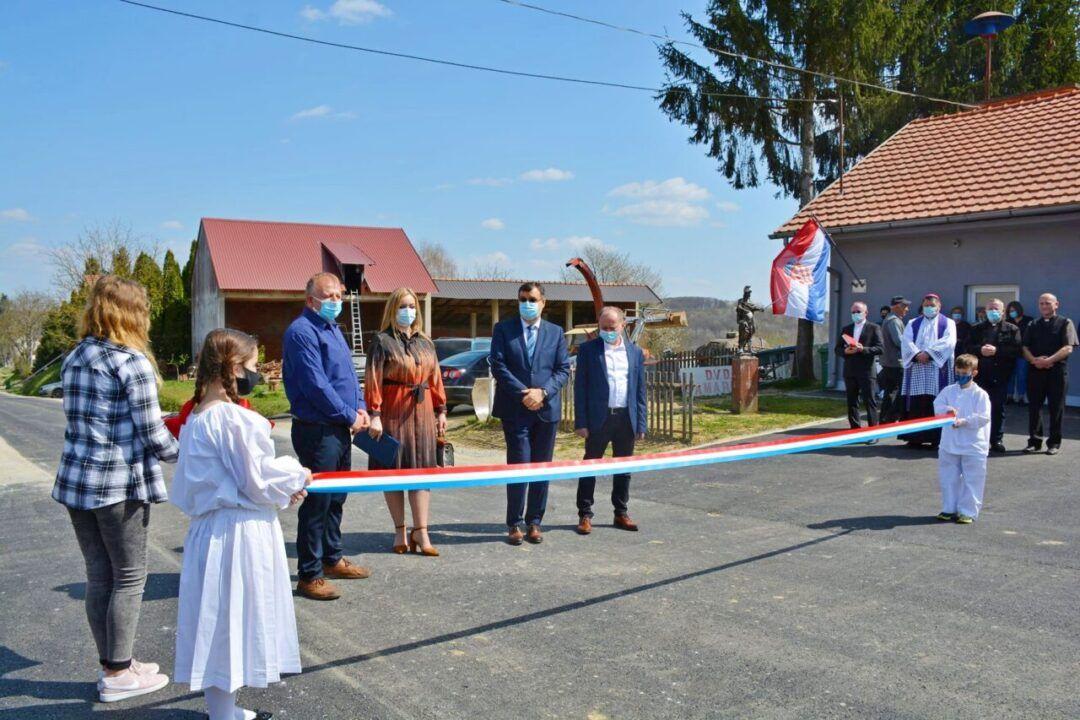 Ispunjeno obećanje župana Damira Bajsa, mještani zadovoljni - Obnovljena kompletna prometnica Donja Petrička-Babinac-Gornja Petrička-Samarica