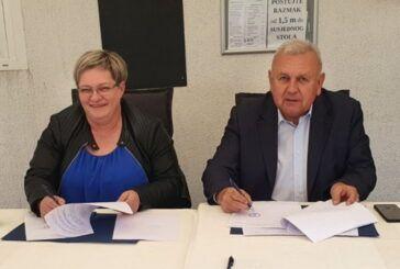 ŽUPANIJA nastavlja pomagati gospodarstvenicima – Potpisani ugovori s poduzetnicima i obrtnicima s područja Čazme
