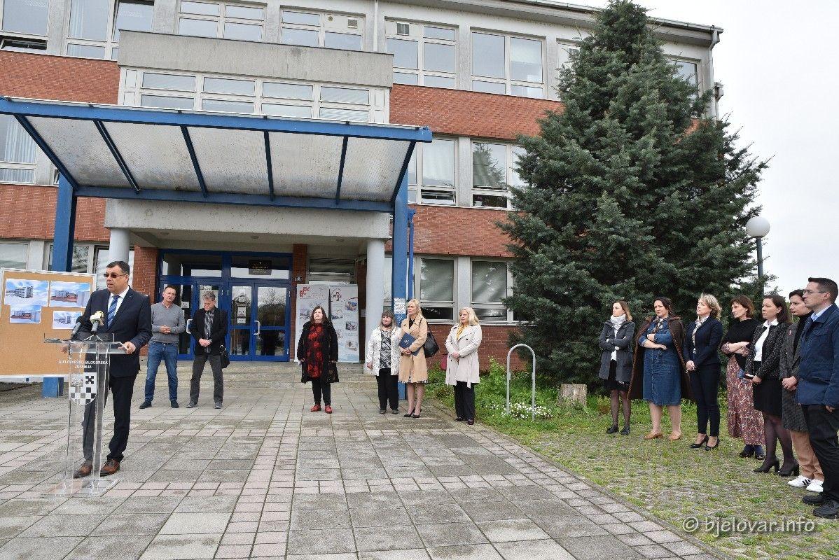 2021 05 03 medicinska skola bjelovar 41