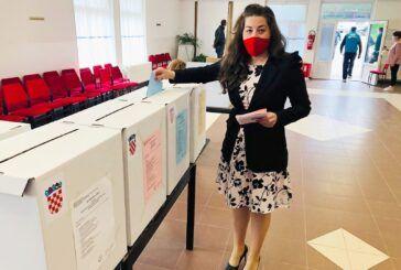 Glasovala SDP-ova kandidatkinja za gradonačelnicu Antoneta Đokić