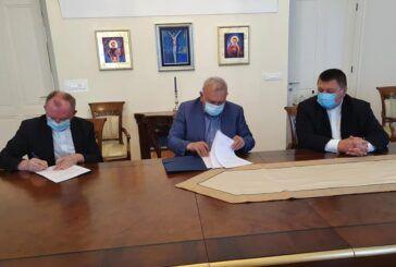 (ŽUPANIJA) Potpisan Ugovor o dodijeli sredstava Caritasu Bjelovarsko-križevačke biskupije