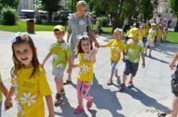 U Bjelovaru održana najdraža dječja manifestacija 'Cvjetni korzo'