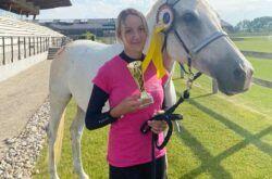 Jahačica Konjičkog kluba Vinia Iris Baljak osvojila zlato u slovačkom Šamorinu u daljinskom jahanju
